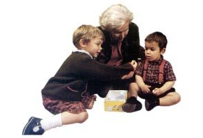 Aplauso: Almáchar mantendrá el cheque-bebé de 1.500 euros durante 2011 1