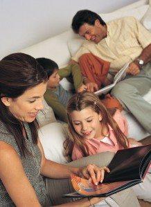 """Familia y Centros Educativos (I) """"El currículum del hogar"""" 2"""