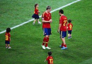 Un aplauso a... La selección Española de fútbol por su celebración en familia 6