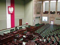 El parlamento polaco rechaza por abrumadora mayoría regular las parejas de hecho y las homosexuales 1