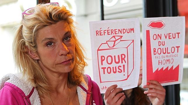 Frigide Barjot, la abanderada de los contrarios al matrimonio gay en Francia 1
