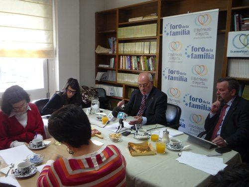 Foro de la Familia pide a Rajoy que la ley no penalice a las mujeres que aborten sino a quienes los practiquen 1