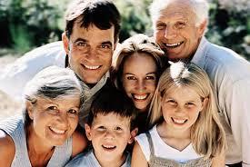 """""""La mejor forma de garantizar las pensiones es fomentar la natalidad y ayudar a las familias con hijos"""" 1"""