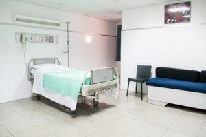 """""""La eutanasia sólo garantiza la muerte de la persona, no su dignidad"""" 1"""