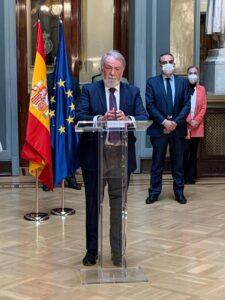 Mayor Oreja pide Eutanasia no